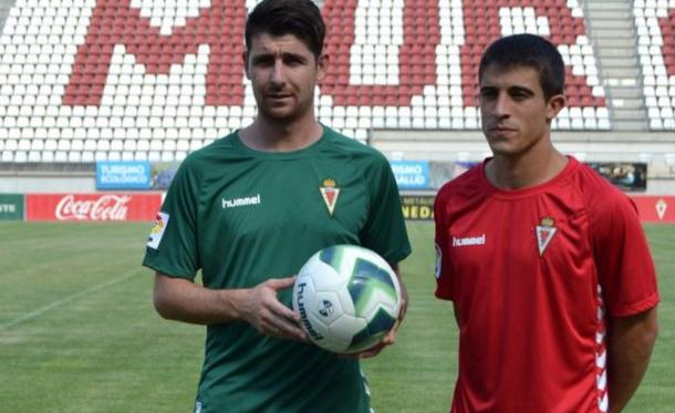 Javi Flores y Jairo Izquierdo, presentados como nuevas incorporaciones del Real Murcia