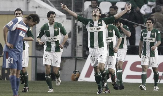 Edú (El Príncipe), celebrando un gol con el Betis / Foto: Blogs.20minutos.es