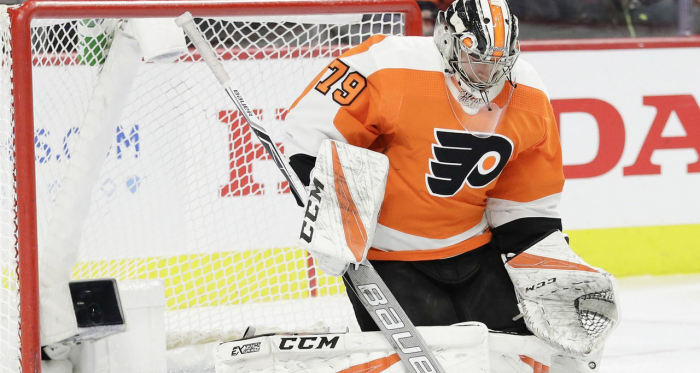 <p>Carter Hart leads Philadelphia Flyers to Sixth Straight Win | (Photo: Yong Kim) </p>