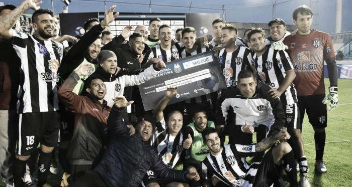 El Ferroviario, un rival duro y entusiasmado (Foto: Copa Argentina).