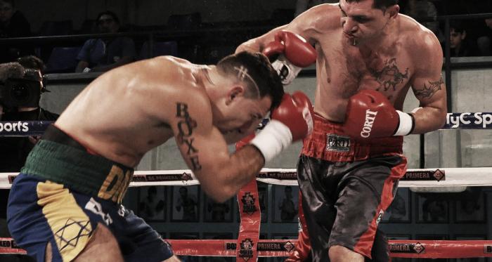 Cóceres y Eliasquevici en acción en la FAB (Foto: Ramón Cairo | Argentina Boxing Promotions)
