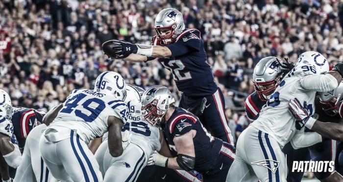 Tom Brady consiguió su pase 500 de touchdown // Foto: Patriots
