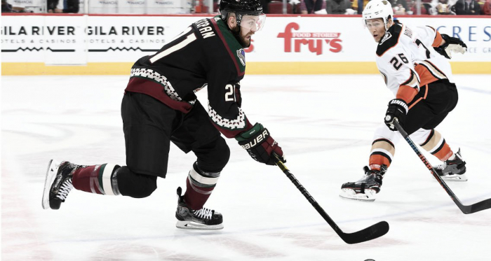 Derek Stepan attempts to score the Coyotes' first goal of the new season. | Photo: arizonacoyotes.com