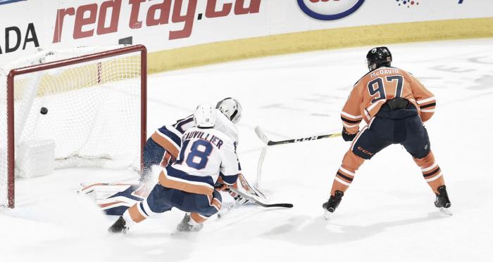 Momento en el que McDavid marca el gol en el OT | Foto: NHL.com