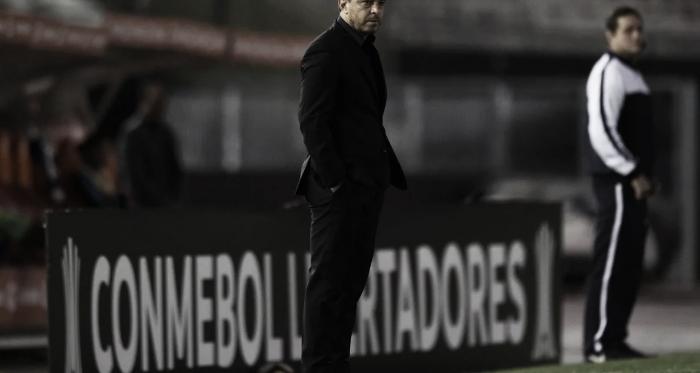 El Muñeco y su elegancia habitual en noches de Copa. FOTO: River Plate.