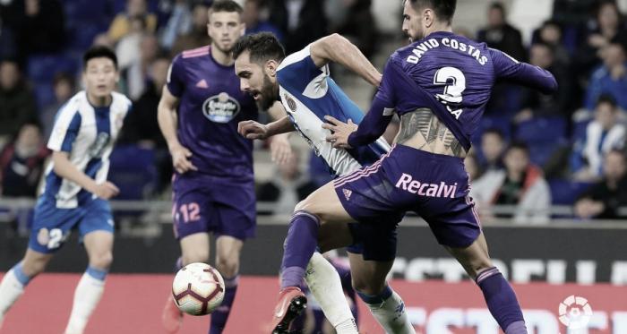 David Costas defendiendo a Borja Iglesias en el Espanyol - Celta | Fuente: La Liga