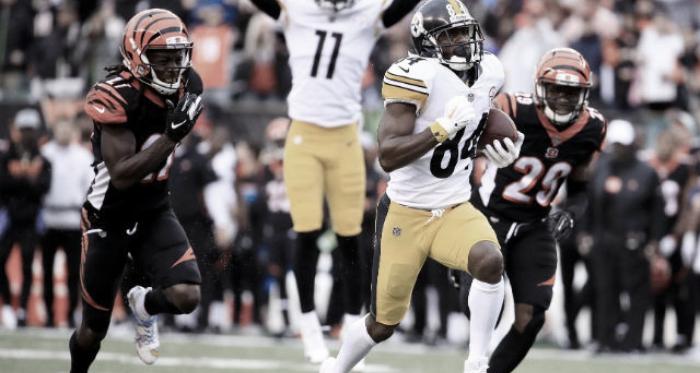 Antonio Brown de los defensivos de Cincinnati, secuencia que no se repetirá este año (Foto: Steelers.com)
