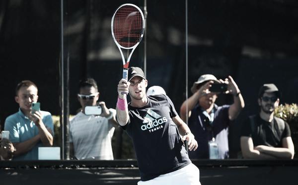 Dominic Thiem durante una práctica en el Abierto Australiano 2019. Fuente: Zimbio