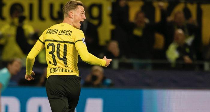 Jacob Brunn Larsen celebrates the opening goal. | Photo: Borussia Dortmund.