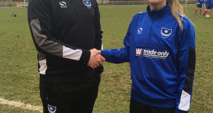 Megan Jones presented prior her debut l Photo: Portsmouth FC Ladies