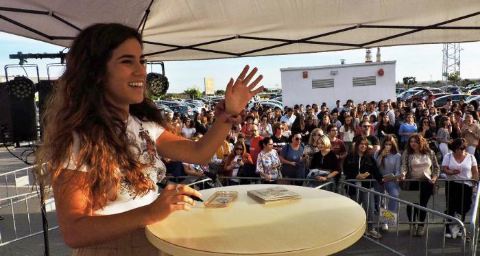 Julia Medina durante la firma de Cádiz // Image: Silvia Rueda Lozano