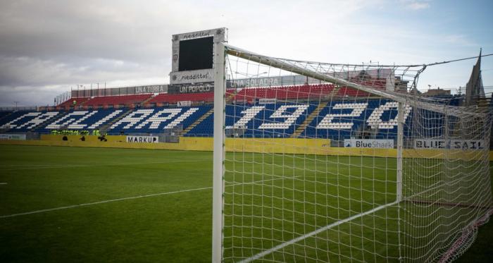 Serie A - Milik stende il Cagliari: il Napoli vince nel finale