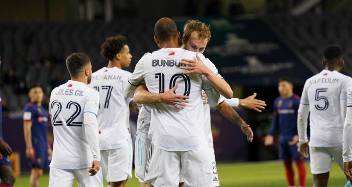 Chicago Fire 2-3 New England Revolution: A weak New England team still wins