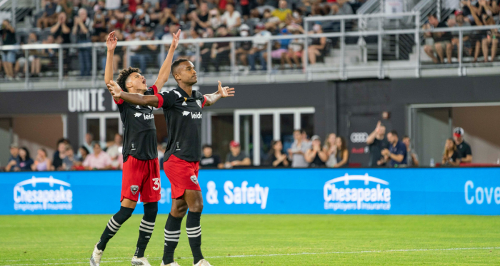 D.C. United 3-0 Chicago Fire: D.C. wins with ease