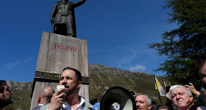 Cuando las estatuas caen, la ultraderecha remueve la Historia