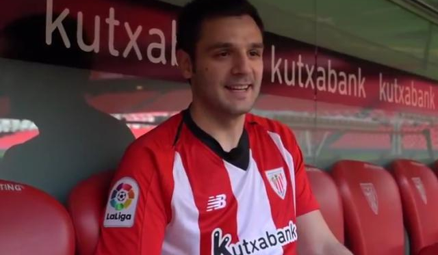 Danel Lezkano en el banquillo. Foto: Athletic Club
