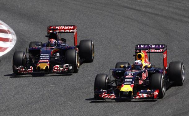 A ideia de haver mais equipas como a Toro Rosso está a ser analisada (foto:LAT)