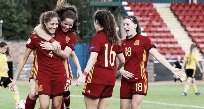 Laia Aleixandri celebra junto a sus compañeras su gol contra Bélgica / Foto: EFE