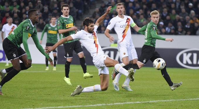 Europa League- Fazio croce e delizia . All'ultimo respiro Thuram affonda la Roma e fa volare il Borussia (2-1)