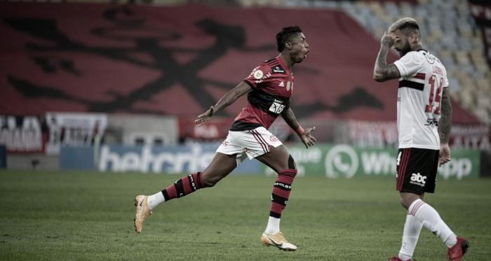 Com três de Bruno Henrique, Flamengo goleia São Paulo e quebra tabu