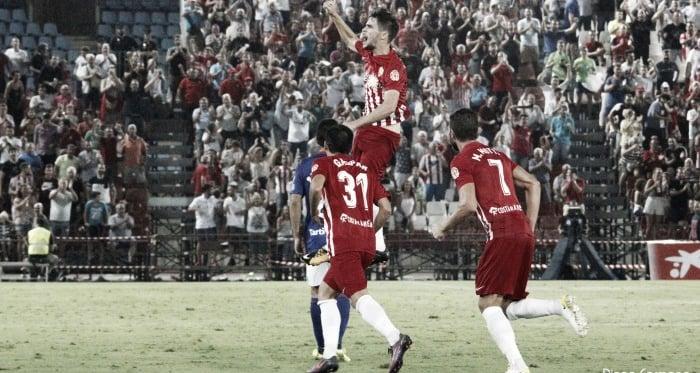 Fotos e imágenes del Almería 1-1 Oviedo, jornada 2 de Segunda División