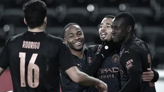 """Gabriel Jesus marca e ganha elogio de Guardiola após avanço do City na FA Cup: """"Brilhante"""""""