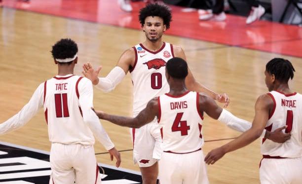 2021 NCAA Tournament: Arkansas overcomes early deficit, runs past Colgate