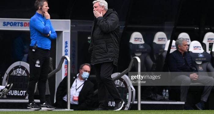 Should Newcastle United keep three centre-backs against Burnley?