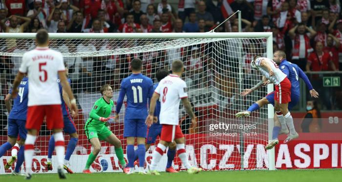 Poland 1-1 England: Szymanski's late header cancels out Kane's super strike
