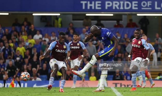 Chelsea 3-0 Aston Villa: Lukaku brace sinks confident Villa side