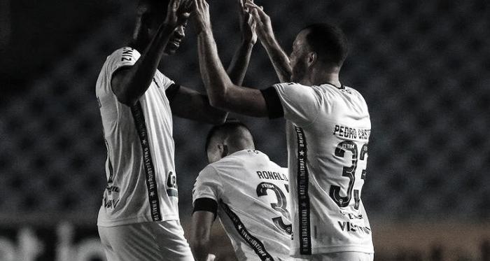 Em noite iluminada, Botafogo goleia Moto Club no Maranhão e avança na Copa do Brasil