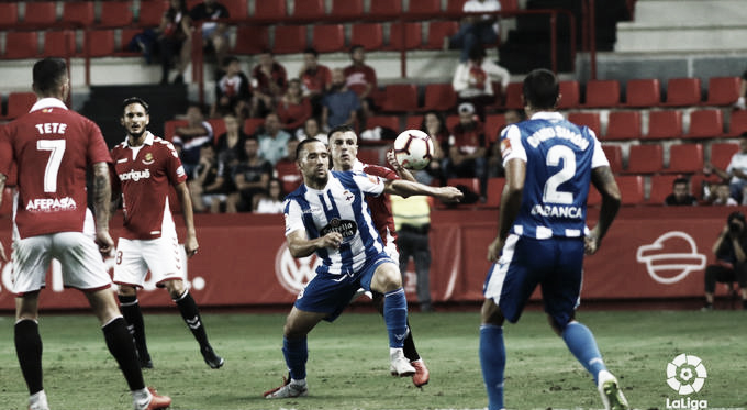Acción del choque de la primera vuelta entre ambos conjuntos. FOTO: Liga 123
