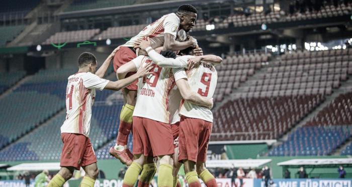 Com gols no segundo tempo, RB Leipzig vence Wolfsburg e avança na DFB Pokal
