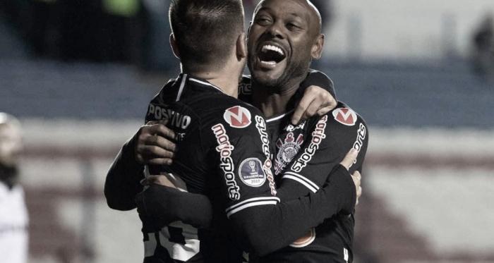 Corinthians joga bem, vence Montevideo Wanderers e segue às quartas daSul-Americana