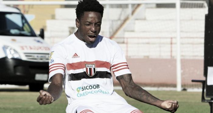Atacante do Botafogo-SP, Francis reforça busca de evolução na equipe