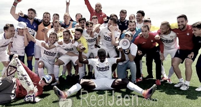 El Real Jaén celebrando su clasificación a los play-off | Foto: Real Jaén