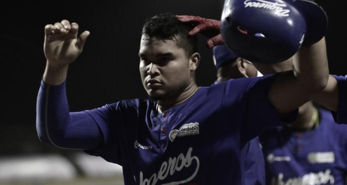 Vaqueros muestra su corazón de campeón y pegó primero en la serie final ante Caimanes