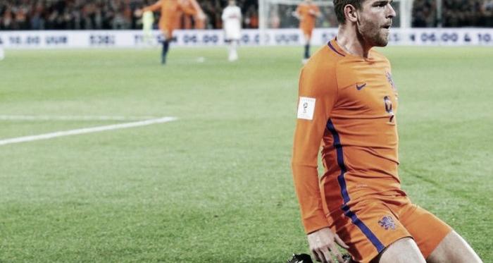 La 'Oranje' vence y convence