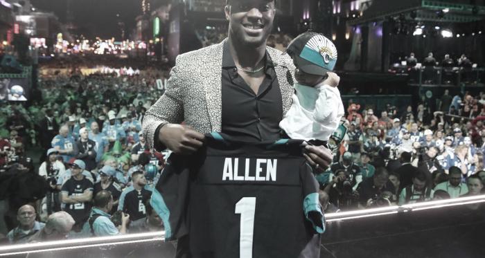 Josh Allen, el Defensive End elegido por los Jacksonville Jaguares en la primera ronda (foto NFL.com)
