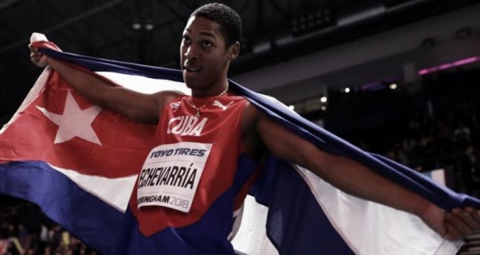 Juan Miguel Echevarría tras ganar el oro en el salto de longitud en Birmingham 2018 con tan solo 19 años | Foto: Réseau des Sports