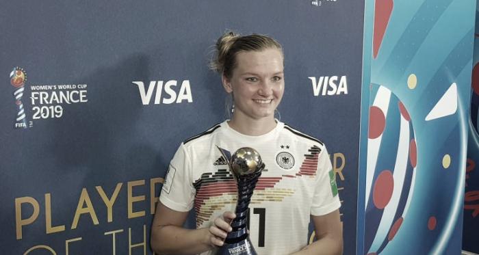 Autora de um dos gols do triunfo, Popp foi eleita a jogadora da partida (Foto: Divulgação/FIFA)