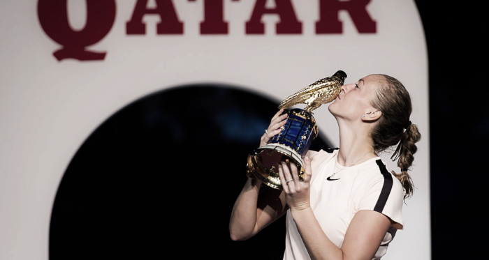 Petra Kvitova poses alongside her Qatar Total Open trophy during the ceremony | Photo: Jimmie48 Tennis Photography