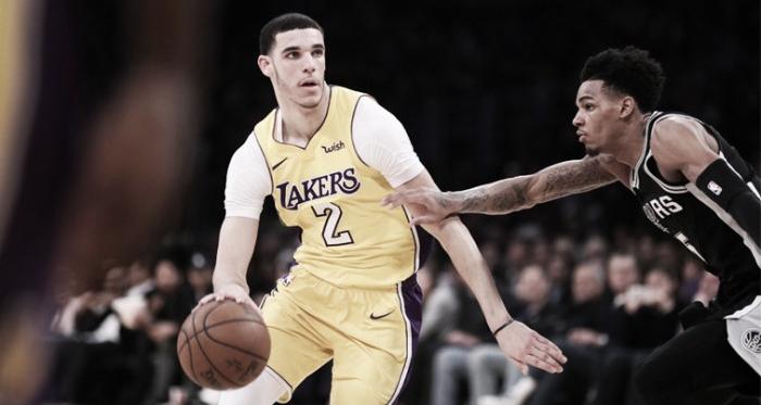 Ball y Murray exhibieron un interesante duelo anoche en el Staples Center. Foto: NBA