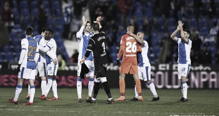 Cuéllar celebra con sus compañeros una victoria   Foto: CD Leganés