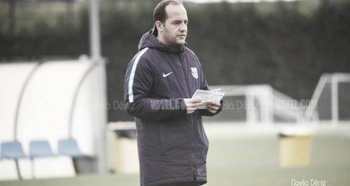 El técnico azulgrana durante un entrenamiento / Foto: Noelia Déniz (VAVEL.com)