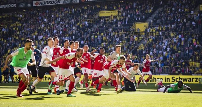 VAVEL Road to Bundesliga 2018/19 - Magonza, luci e musica del Carnevale - Foto from 1.FSV Mainz 05 Facebook