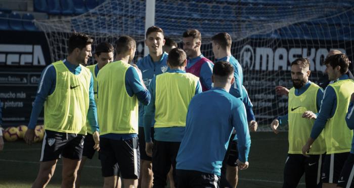 El Málaga entrenando en la previa del partido ante Las Palmas. | Foto: Javi Muñoz (VAVEL)