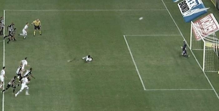 Ceará e Santos maltratam a bola e só empatam no Castelão com direito a pênalti bizarro perdido