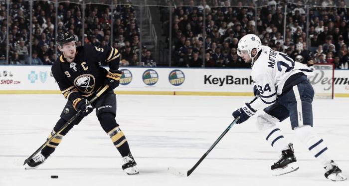 Matthews y Eichel fueron protagonistas en el partido que enfrentó esta semana a Maple Leafs y Sabres. Foto: Yahoo Sports Canada.