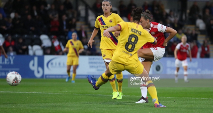§§§§§§§§§§§§§§§§§§§§§§§§§§§BOREHAMWOOD, ENGLAND - AUGUST 14: Katie McCabe of Arsenal scores her sides first goal during the Pre Season friendly between Arsenal Women and Barcelona Women at Meadow Park on August 14, 2019 in Borehamwood, England. (Photo by Catherine Ivill/Getty Images)